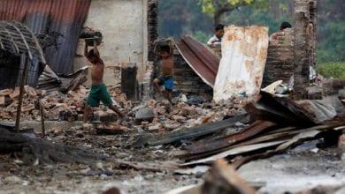 Photo of മ്യാന്മറില് നിന്നും ബംഗ്ലാദേശിലേക്ക് റോഹിങ്ക്യകളുടെ കൂട്ടപലായനം