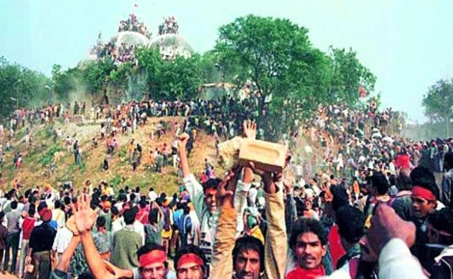 Photo of ബാബരി കേസ്: മതേതര മൂല്യങ്ങളെ തന്നെയാണ് നമ്മുടെ കോടതികള് വെല്ലുവിളിക്കുന്നത്
