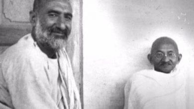 Photo of ഖാന് അബ്ദുല് ഗാഫര് ഖാന്; സമാധാനത്തിന്റെ അതിര്ത്തി കാത്ത ഗാന്ധി
