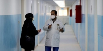 Members of the medical staff work at a new section specialised in receiving any person who may have been infected with coronavirus, at the Al-Bashir Governmental Hospital in Amman, Jordan January 28, 2020.REUTERS/Muhammad Hamed